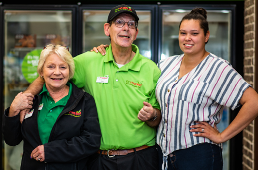Enmarket employee, vocational rehabilitation coach and manager after one-on-one employment.